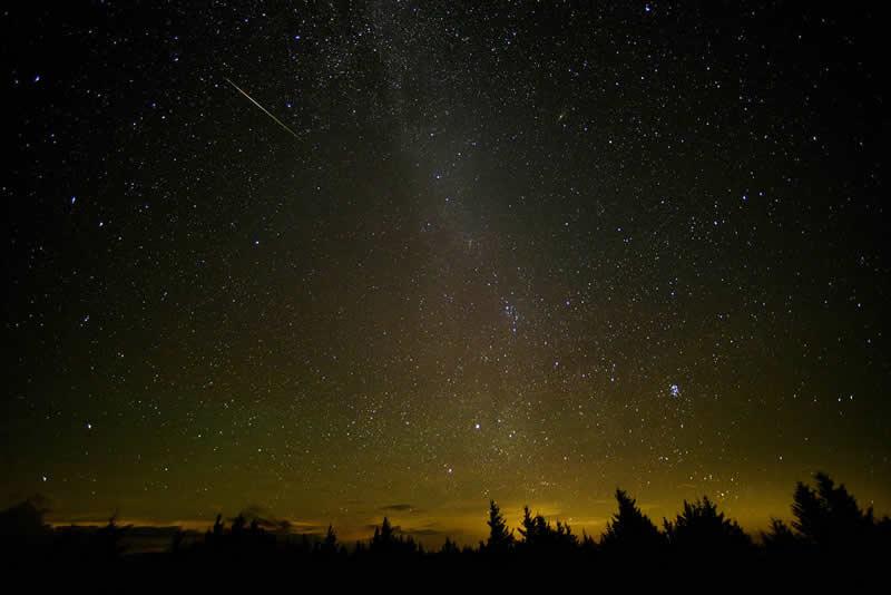 Durante la madrugada del 11 al 12 de Agosto se producirá uno de los acontecimientos celestes más importantes del año para los amantes de la astronomía: la lluvia de meteoros de las Perseidas, o también conocidas como